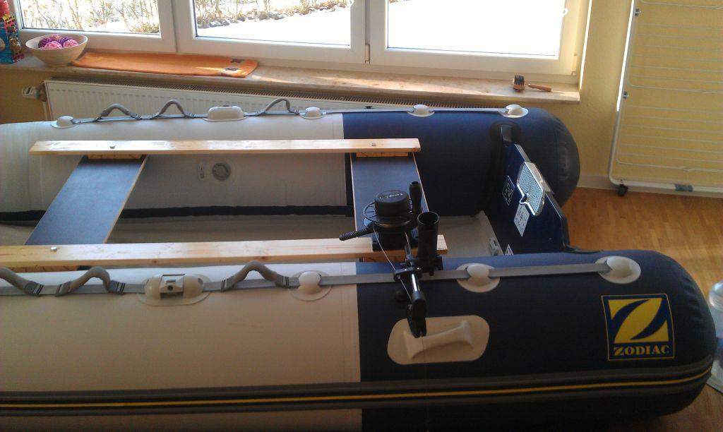 Downrigger am Schlauchboot